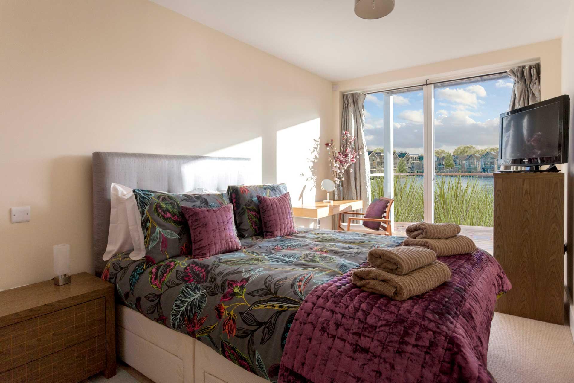 Howells-Mere-3-Lower-Mill-Estate-Rentals-Bedroom-1a