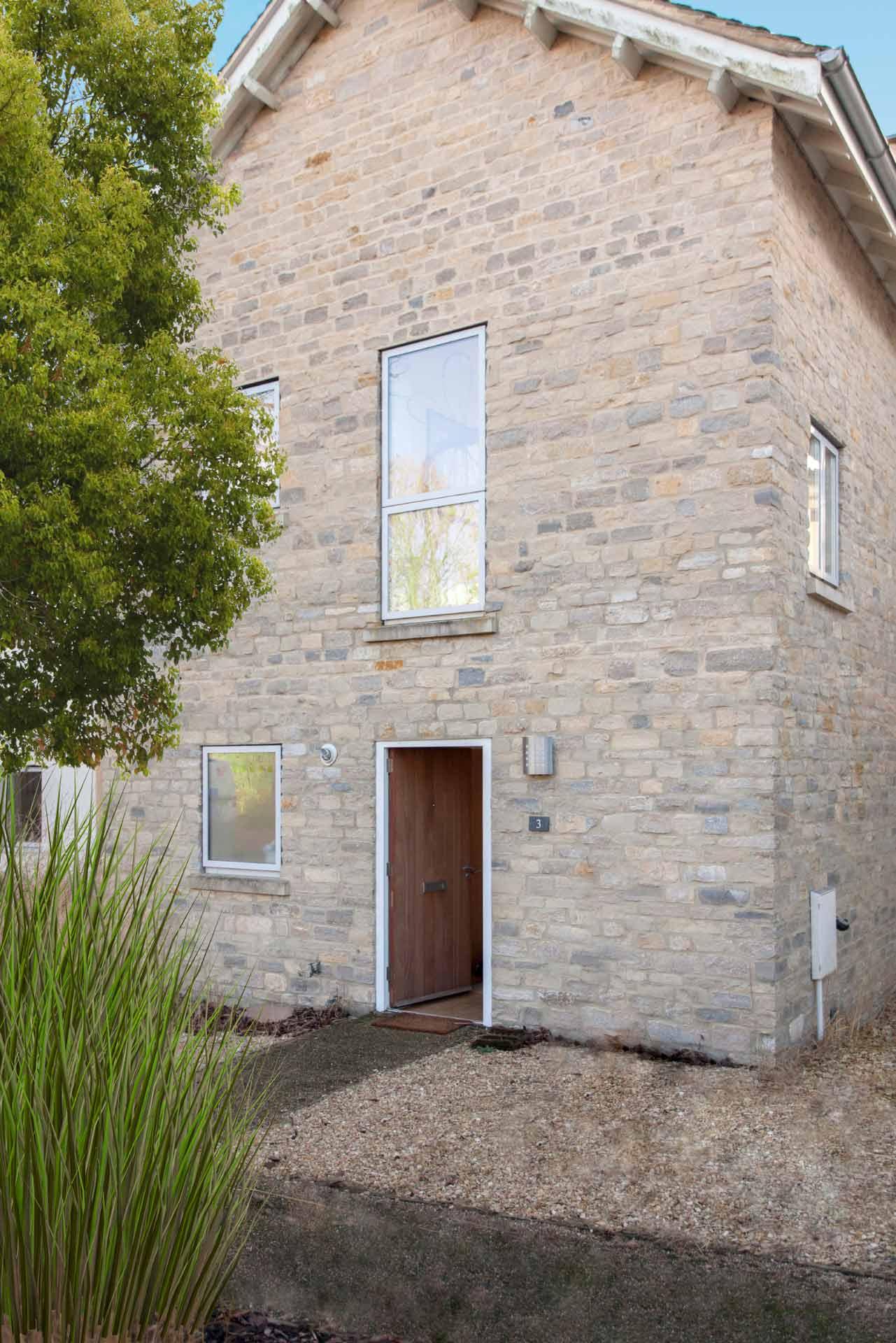 Howells-Mere-3-Lower-Mill-Estate-Rentals-Exterior-3a
