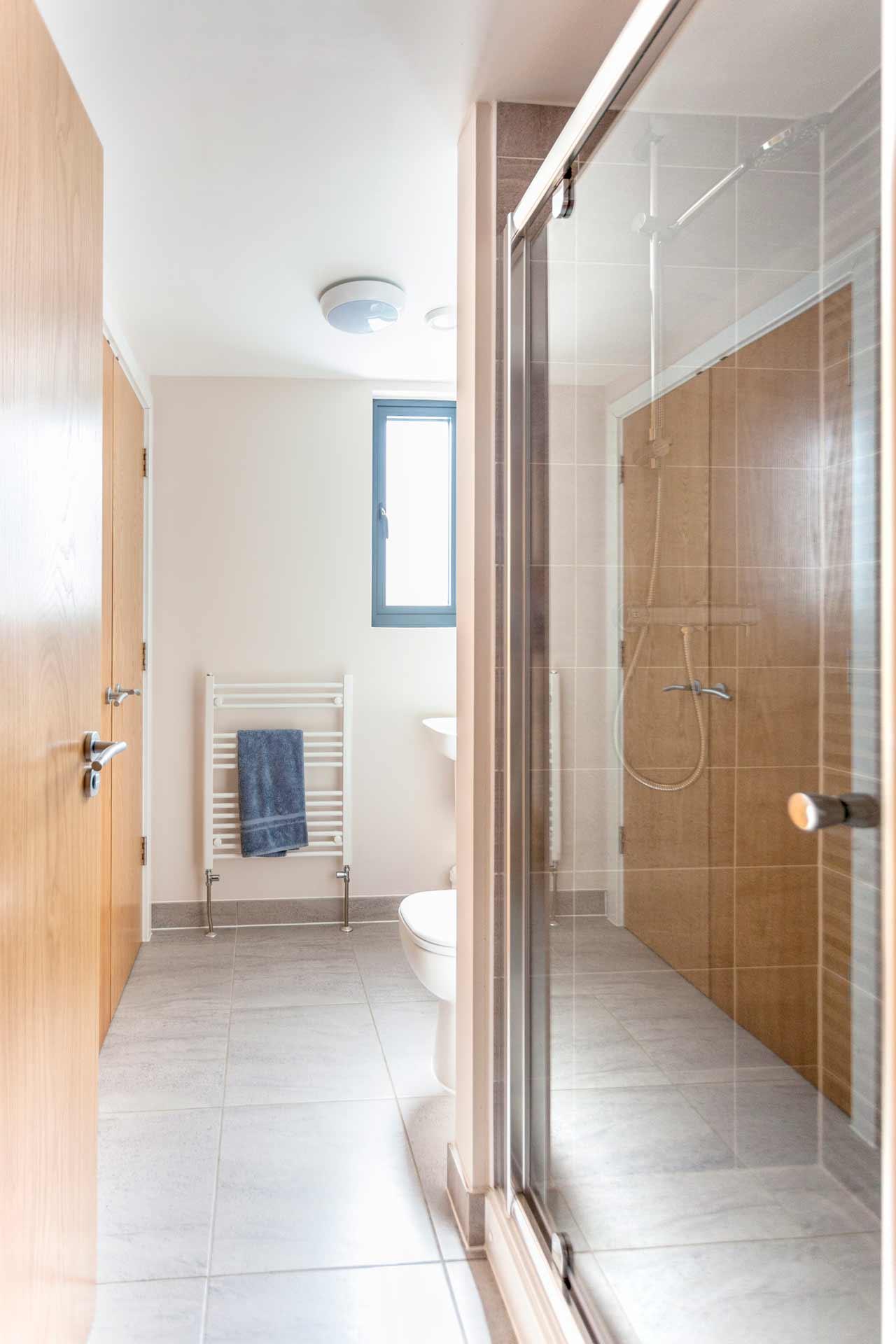 Water-Garden-3-Lower-Mill-Estate-bathroom-2a