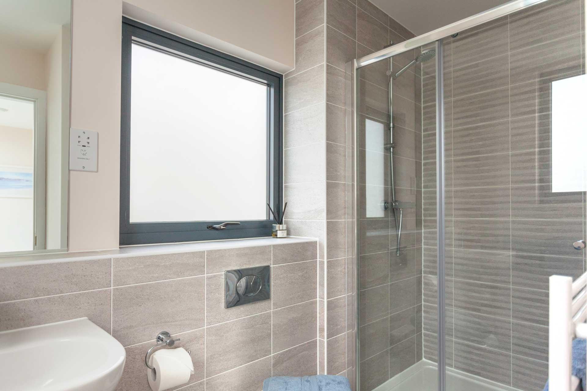 Water-Garden-3-Lower-Mill-Estate-bathroom-3a
